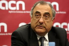 """El jefe de la oposición en el Parlament, Joaquim Nadal, insta a """"bajar impuestos""""."""